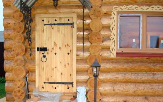 Наружная банная дверь